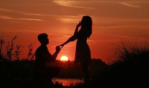 【夢占い】知らない人からプロポーズされる夢の意味【意外です】