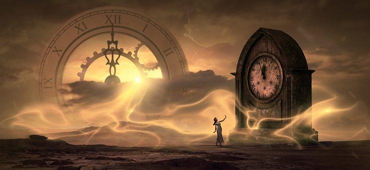 大きな古時計と女性