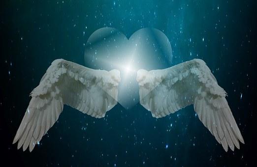 天使の羽とハートマーク