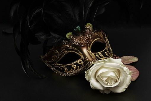 白いバラと仮面