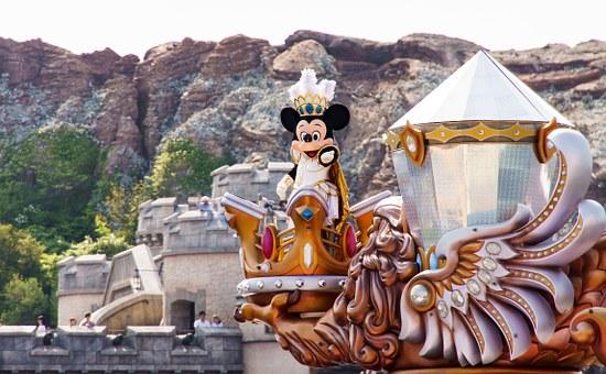 ディズニーシーのパレードに登場したミッキー