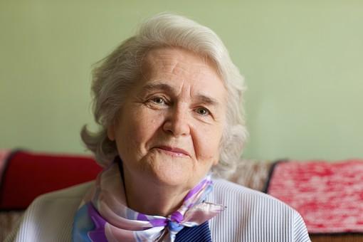 外国人高齢女性