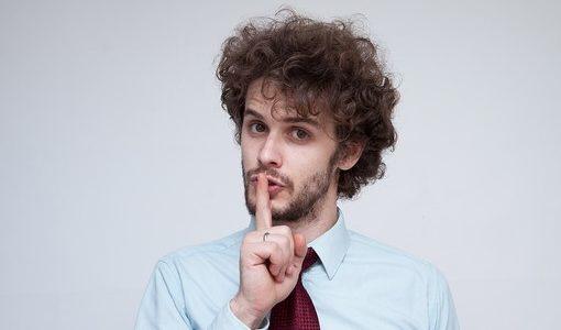 彼氏が会社を教えてくれない理由【勤め先を知らないで付き合う危険】